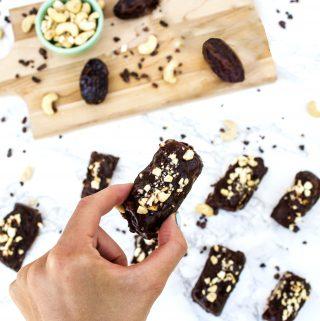healthy vegan frozen banana snickers